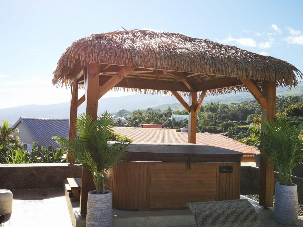 R CHARPENTE Construction bois et toiture feuilles Palmex